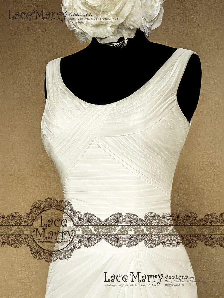 Scoop Neckline Wedding Dresses