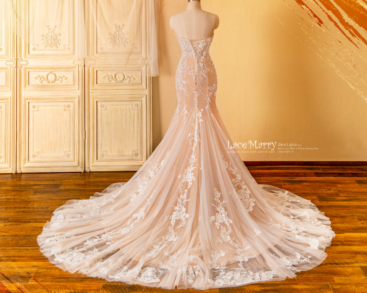 Long Train Lace Wedding Dress
