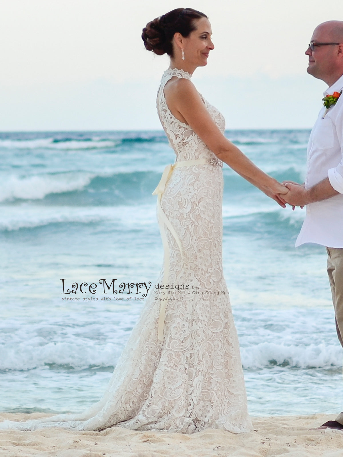 Gorgeous Slim Shape Lace Wedding Dress