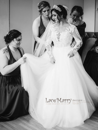 Long Removable Tulle Over Skirt with Lace Wedding Dress