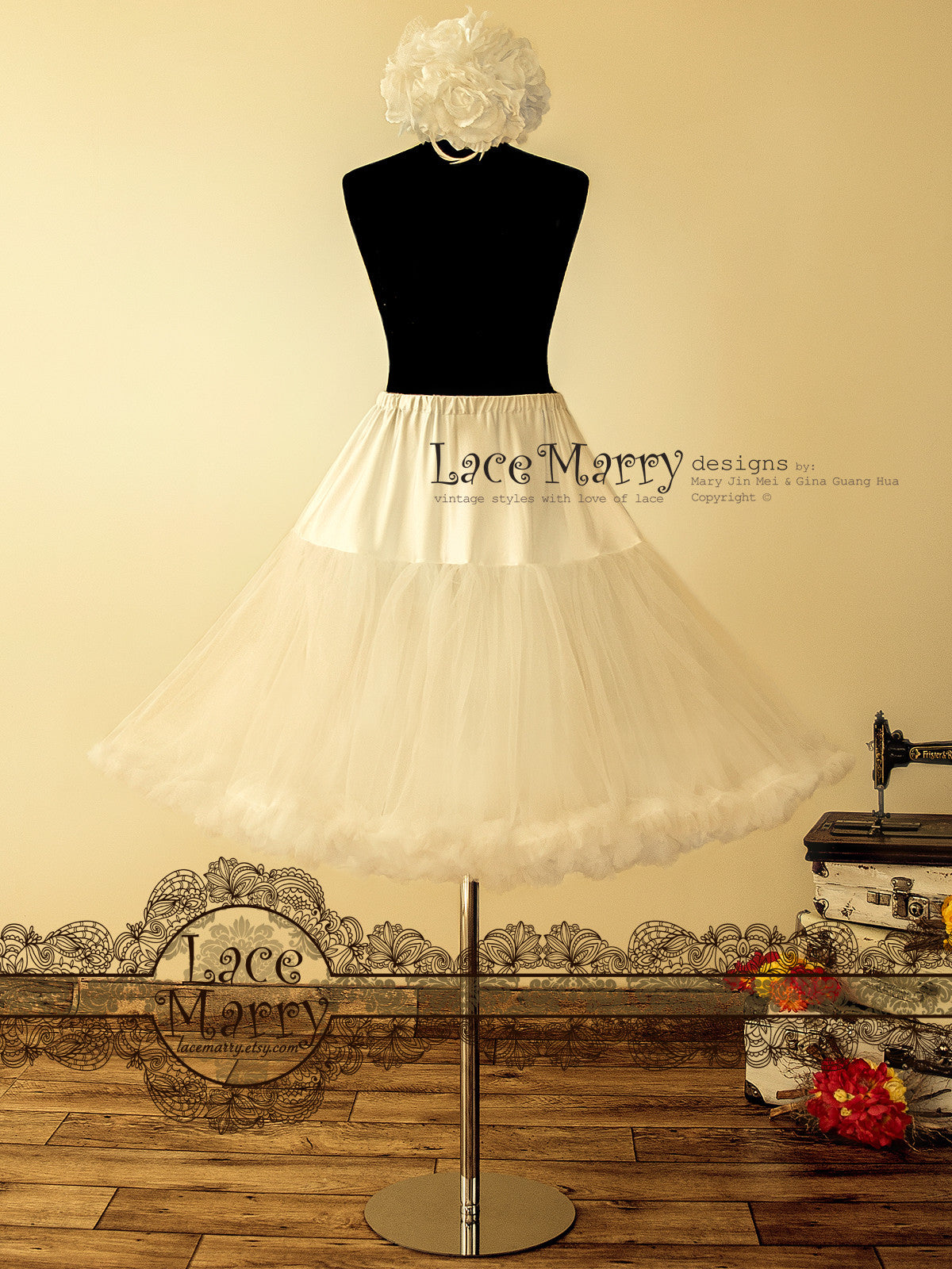 1950's Vintage Inspired Petticoat in Circle Sun Cut