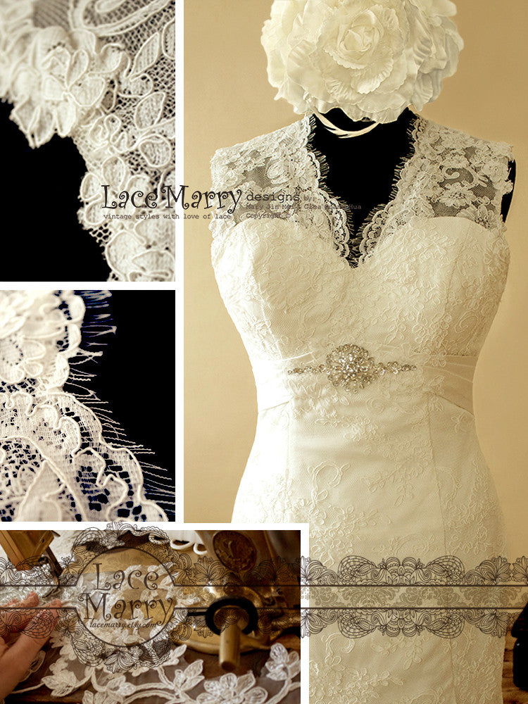Lace Wedding Dress with Brooch on the Front
