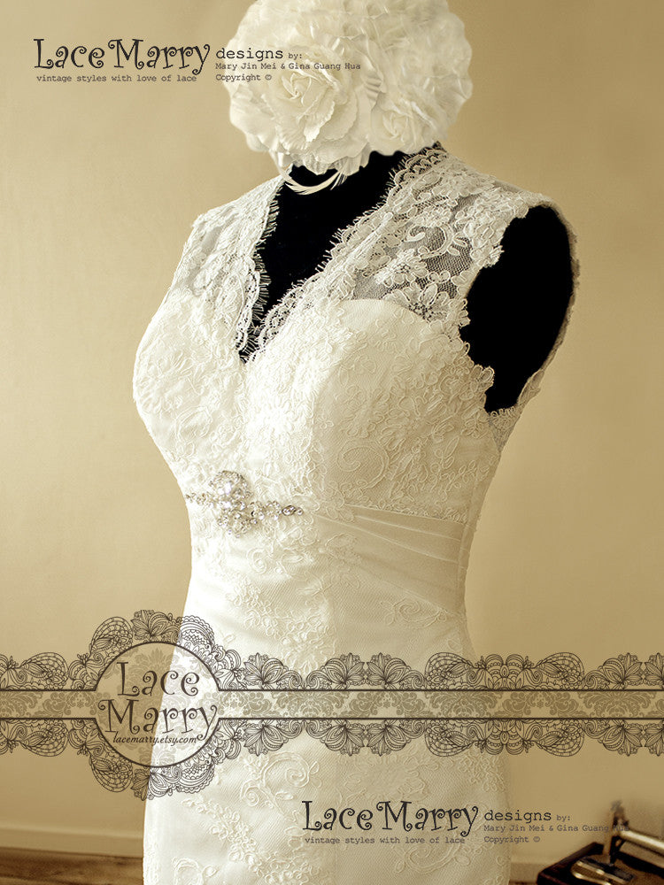 Illusion Neckline Lace Wedding Dress with Key Hole Back