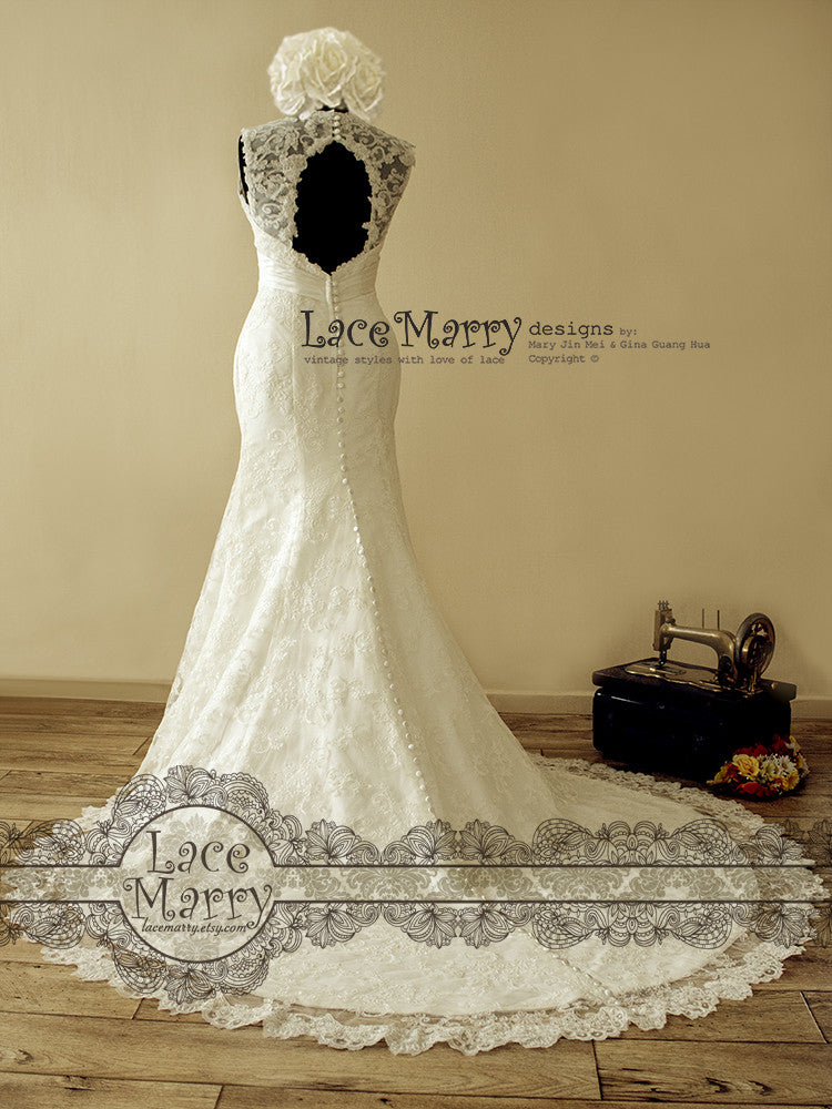 Keyhole Open Back Lace Wedding Dress with Buttons on the Train