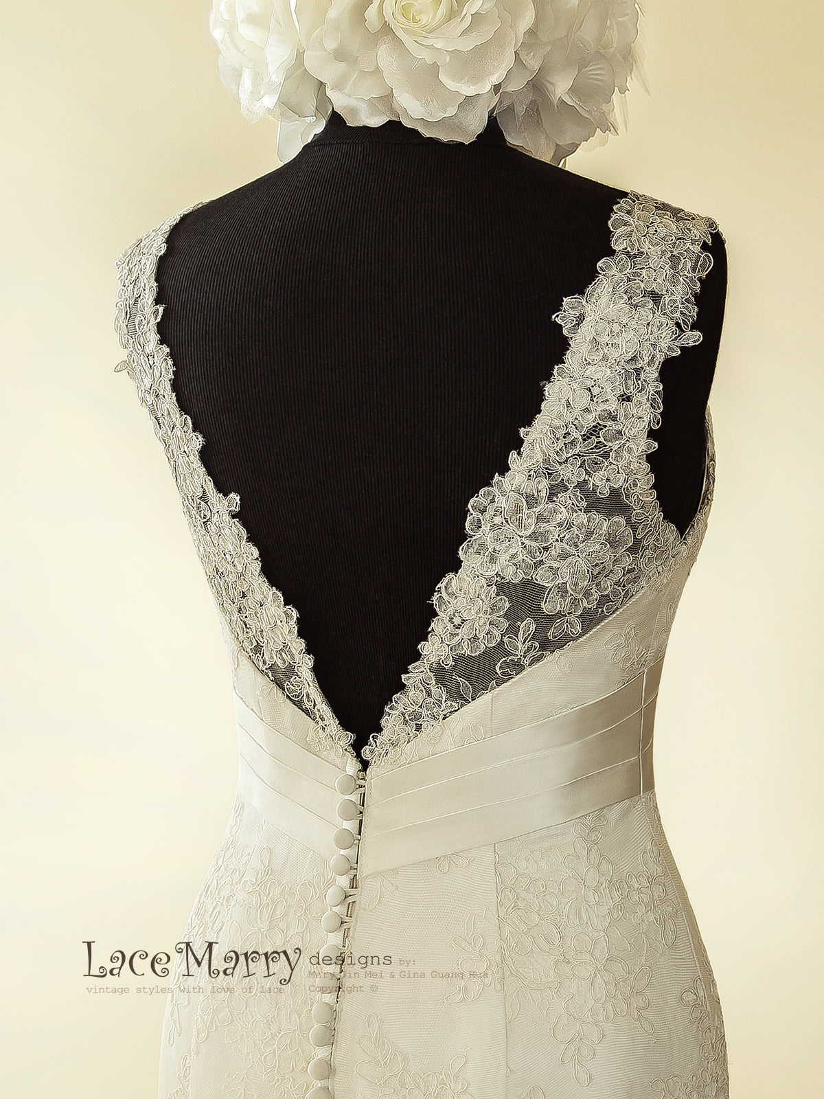 Buttons on the Back Lace Wedding Dress