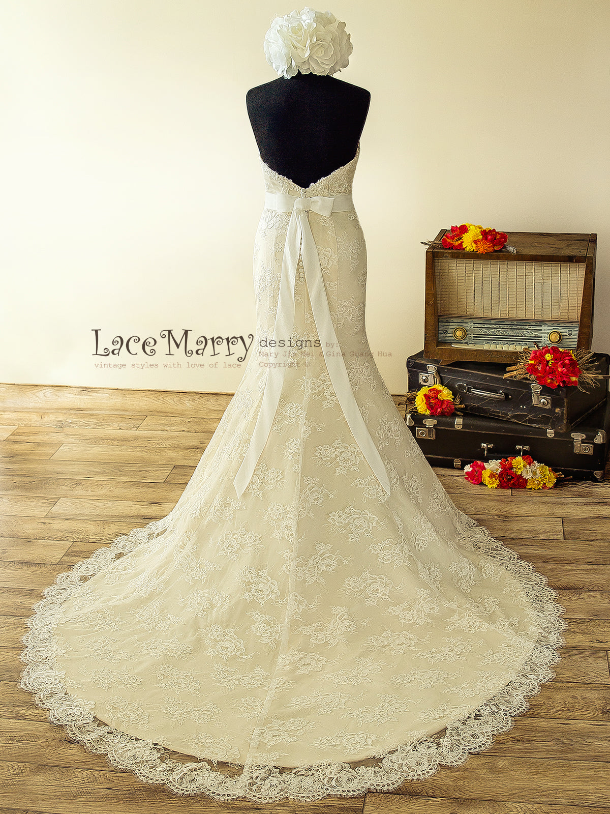 High Quality French Lace Strapless Wedding Dress with Dark Ivory