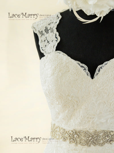 Vintage Inspired Lace Strap Wedding Dress