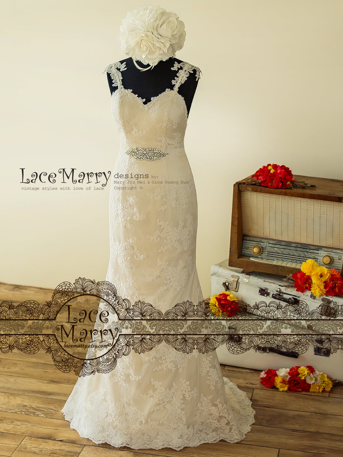 Sexy Lace Wedding Dress in Fitted A Line Style