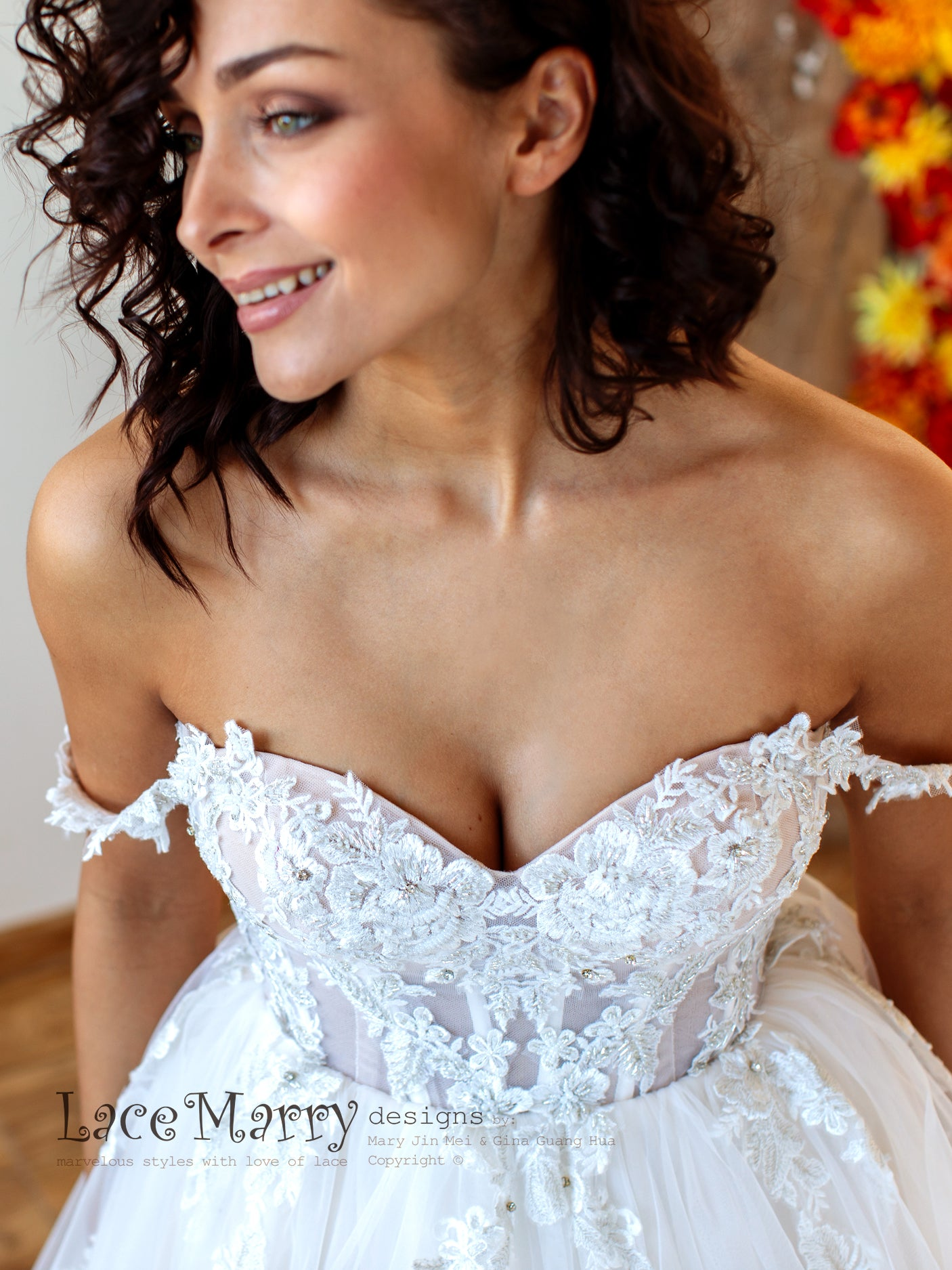 Sexy Pushup Wedding Dress with Off Shoulder Straps