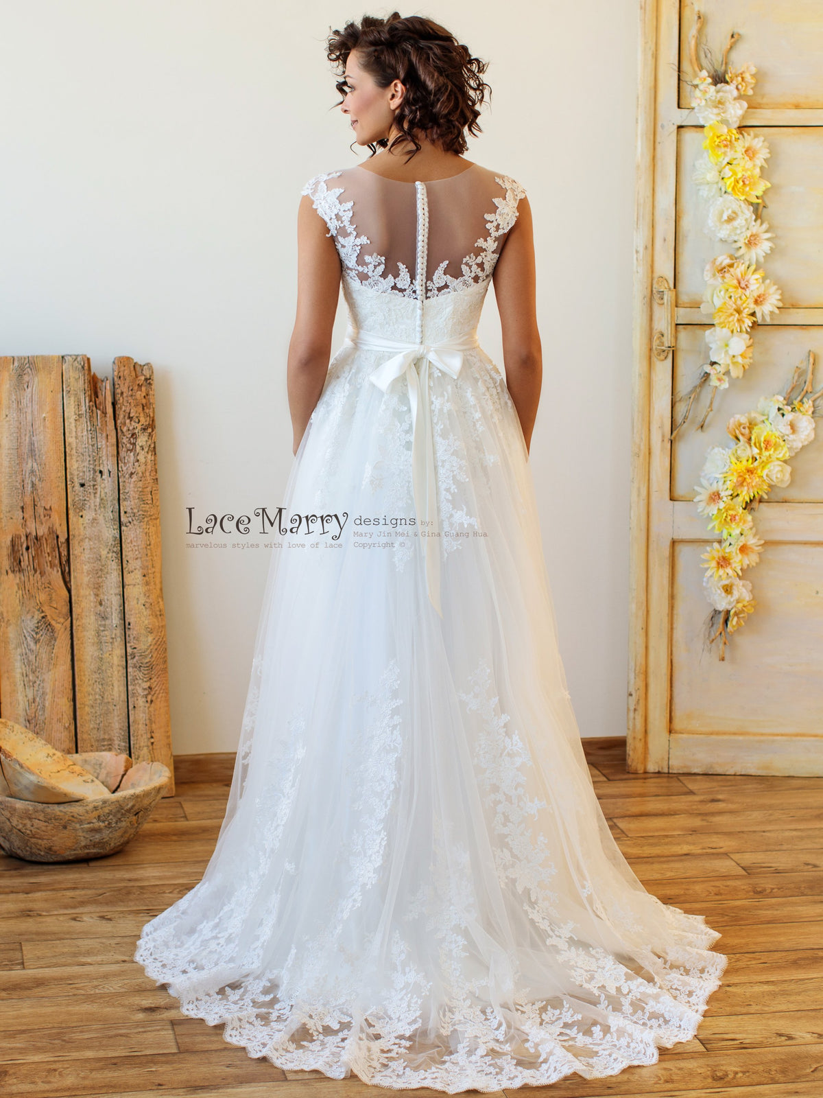 Gorgeous Lace Wedding Dress with Sweep Train
