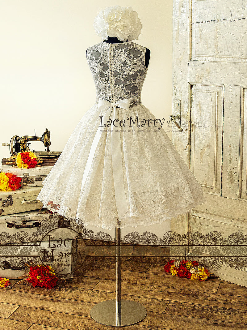 Pin-Up Short Lace Wedding Dress