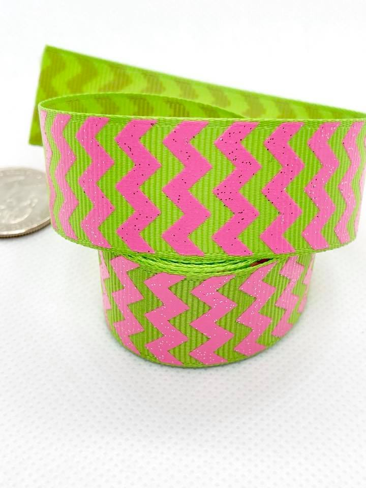 "7/8"" Pink Glitter Zigzags on Green Ribbon"
