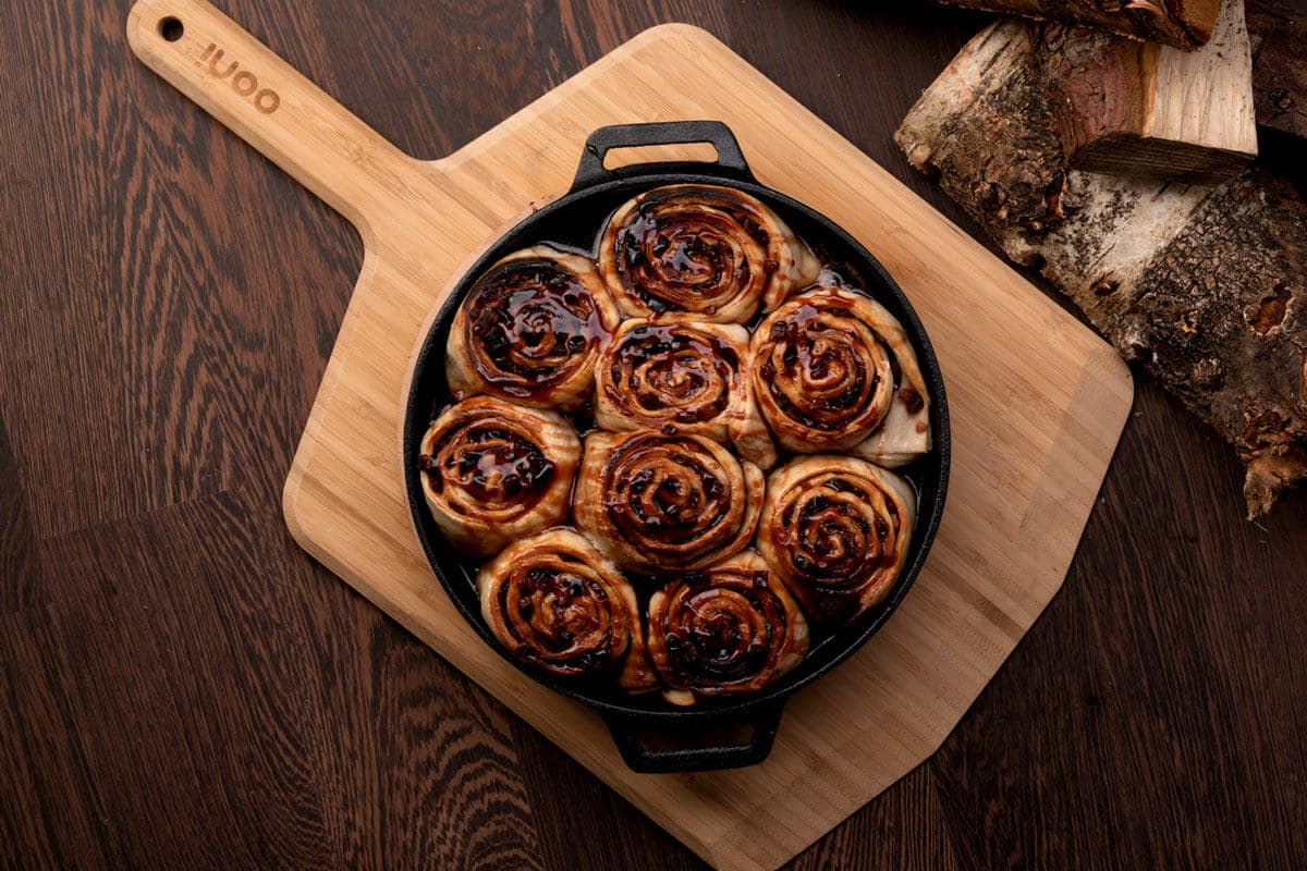 Mulled Wine & Apple Pizza Dough Rolls Featured Image
