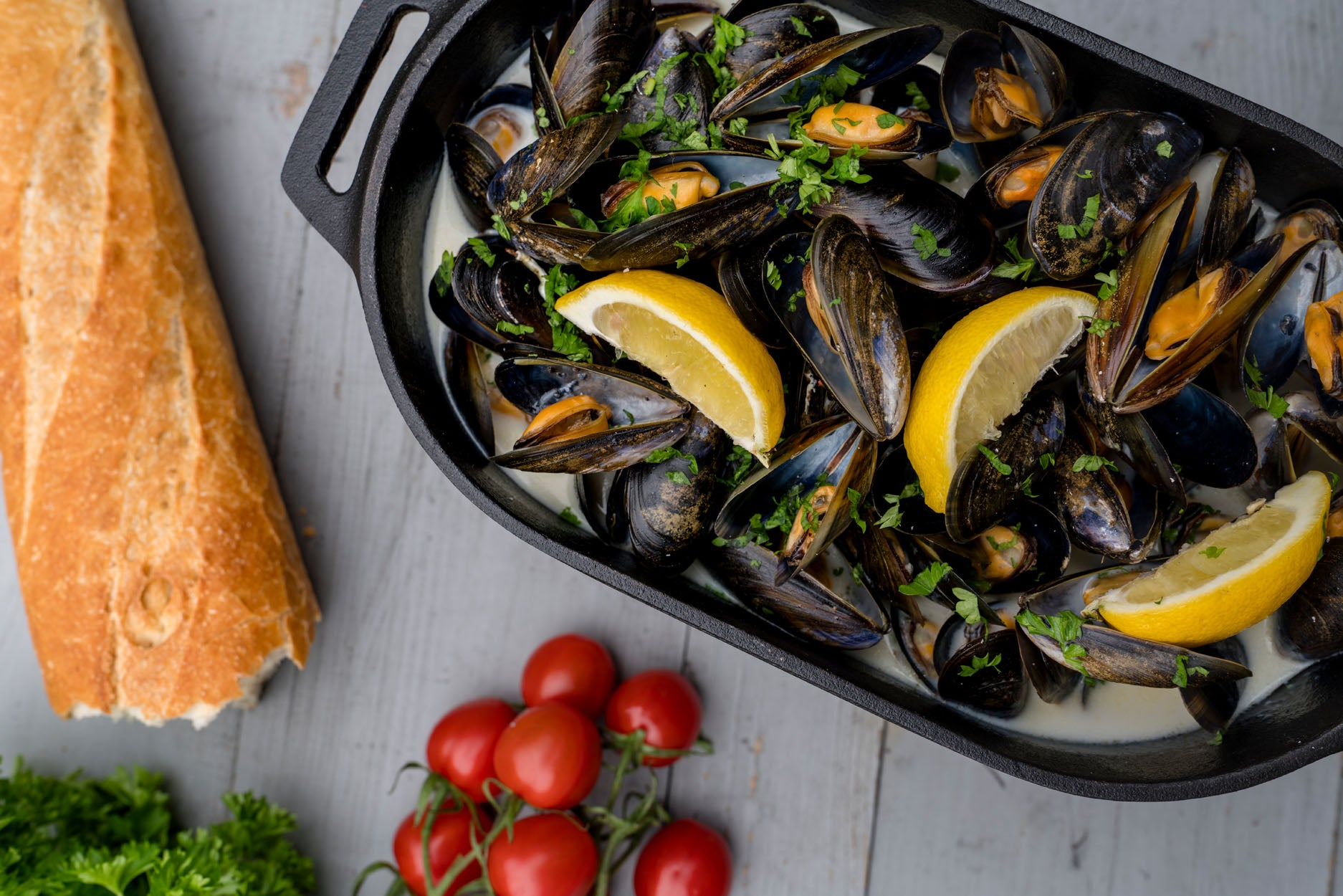 Steamed Mussels in White Wine Featured Image