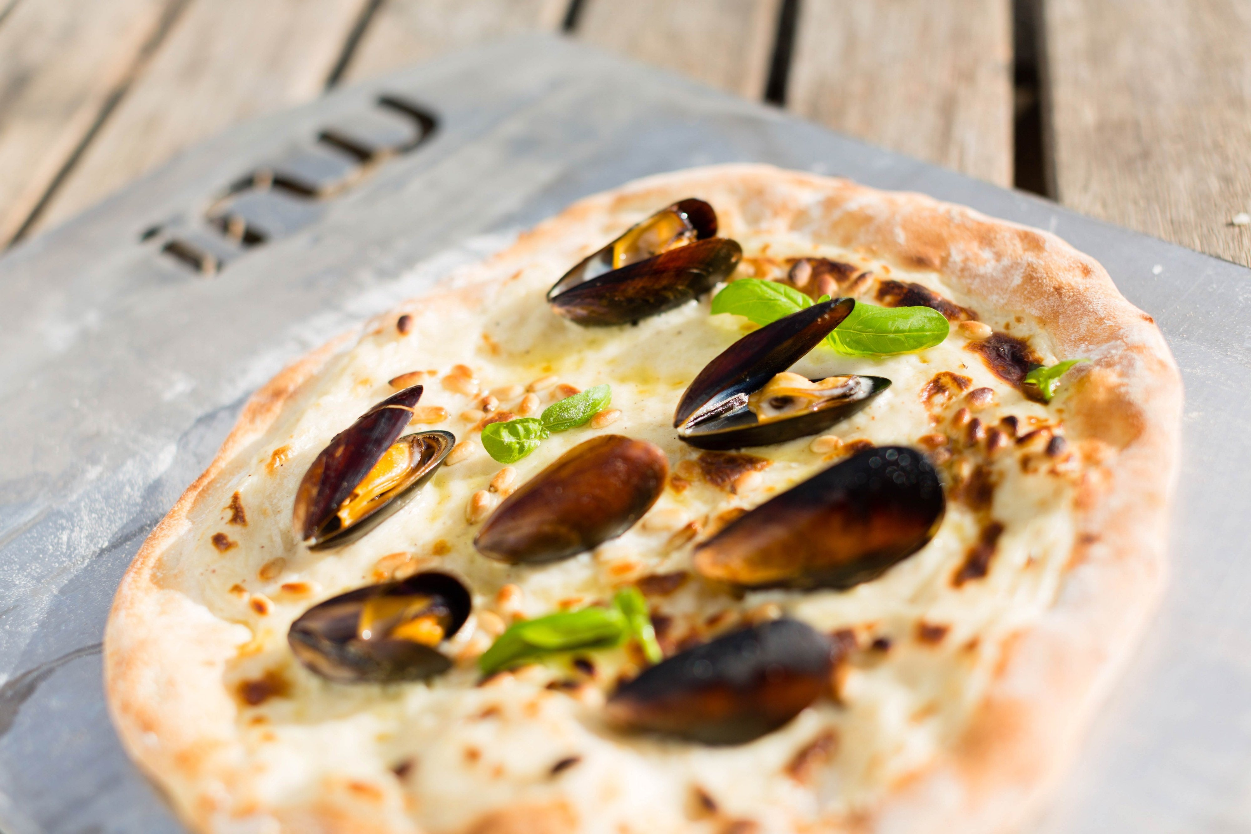 White Mussel Pizza Featured Image