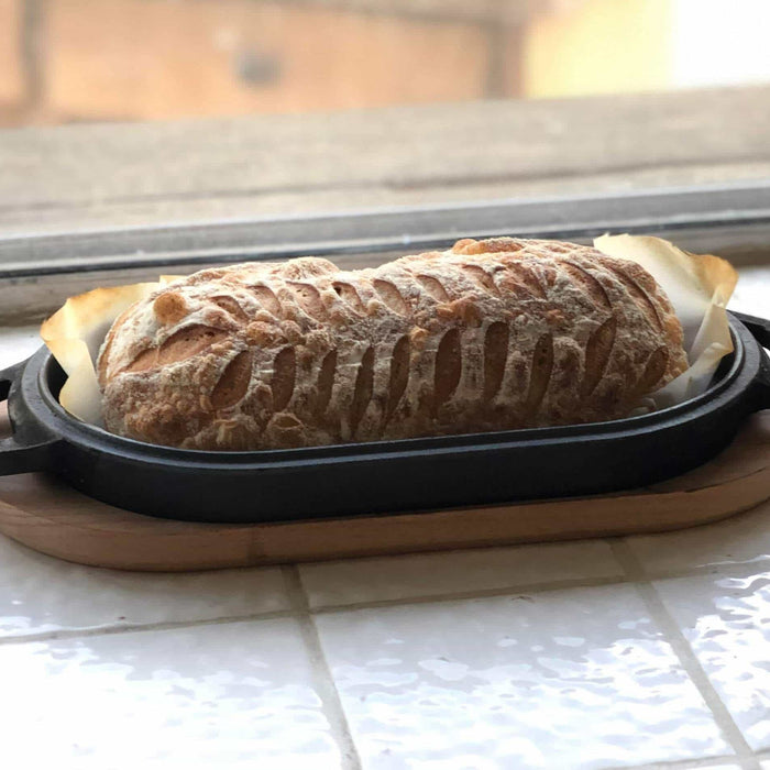 Cast Iron-Baked Bread Loaf