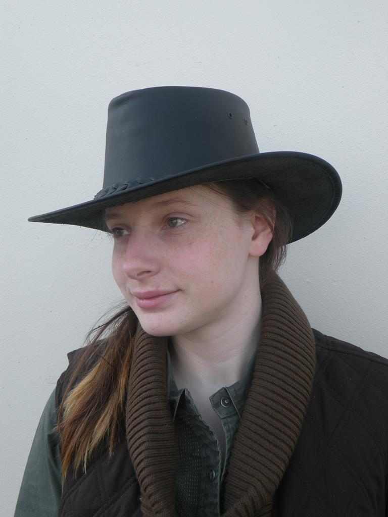 Colonial Hat In Black Matte
