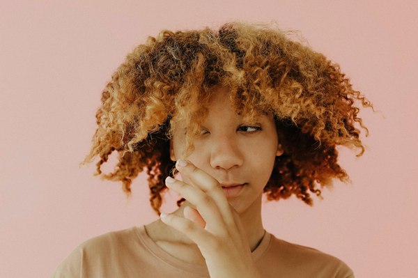 How to Refresh Tired Curls Between Washes