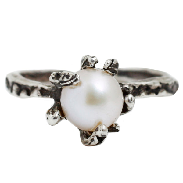 Silver Stingray Pearl Ring