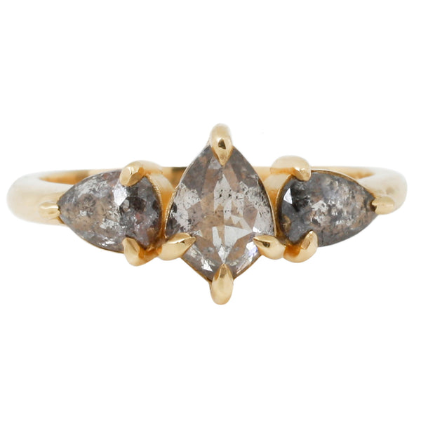 Lauren Wolf - Three Diamond Kite Ring in yellow Gold