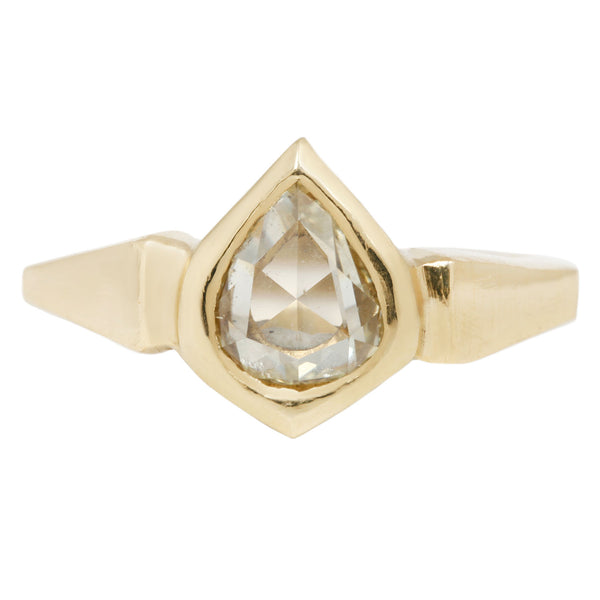 White Diamond Yellow Gold Pear Cut Ring