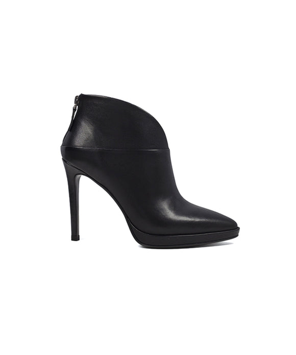 Lola Cruz Isabel Black Heeled Bootie