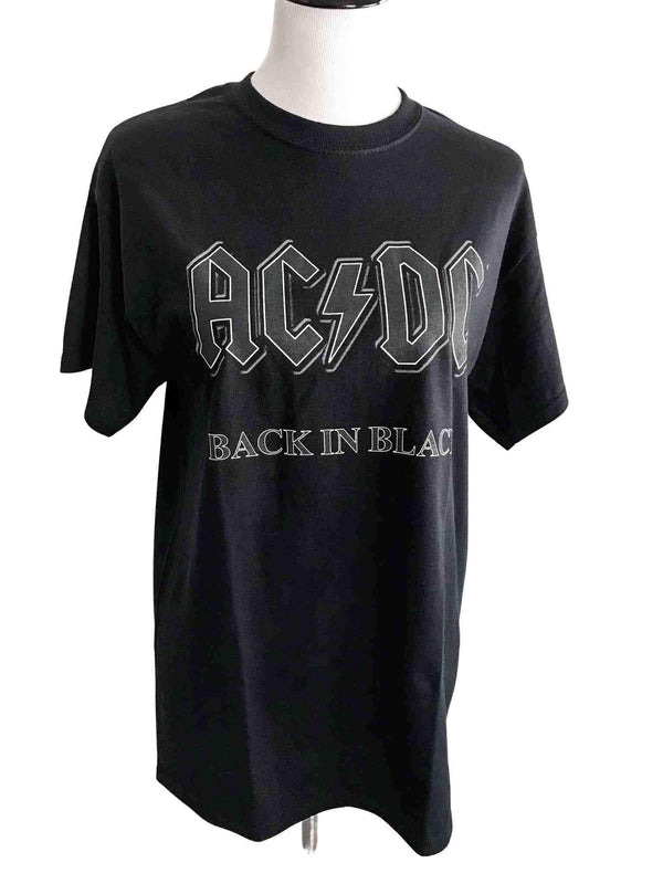 "AC/DC ""Back in Black"" Classic Rock T-shirt"