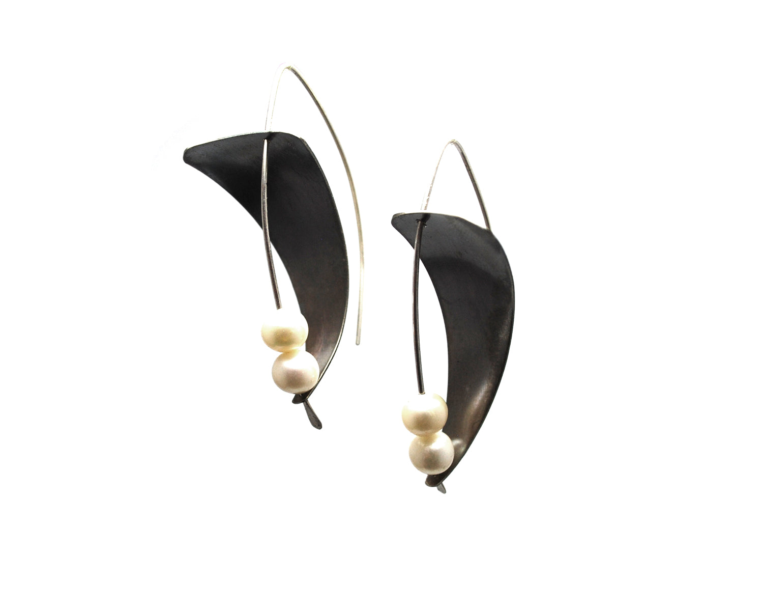 Modern Pearl Earrings Olivia de Soria