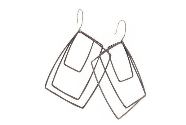 Oxidized Silver Wires Squares Earrings | Olivia de Soria