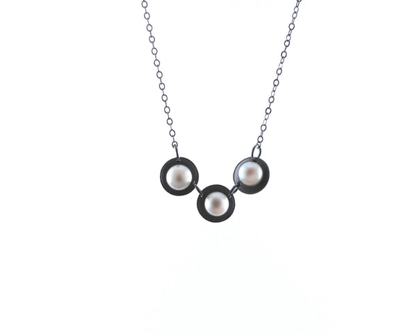 Three Pearls Necklace | Olivia de Soria