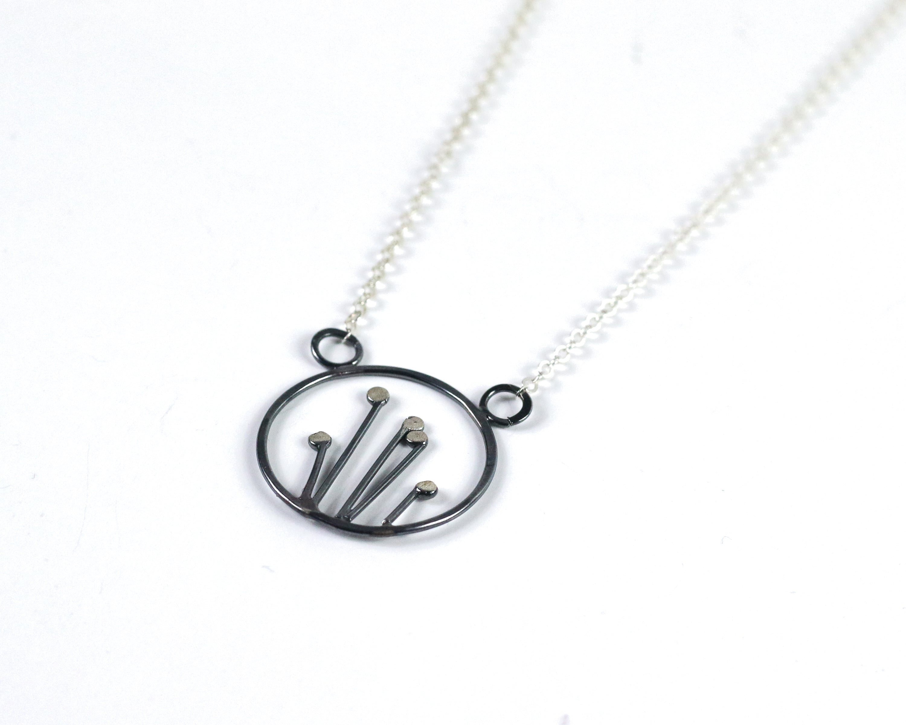Small Circle Sprout Necklace | Olivia de Soria