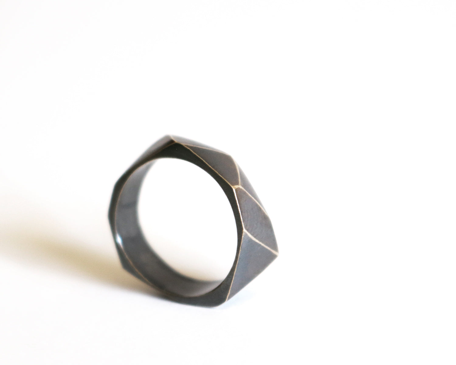 Oxidized Faceted Ring Olivia de Soria