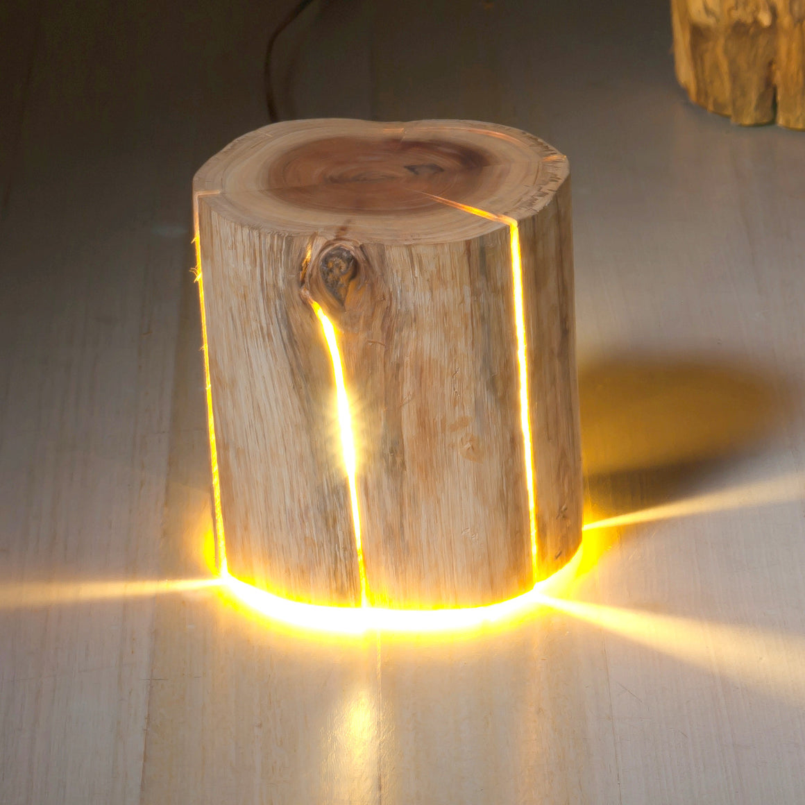 Cracked Log Lamp by designer Duncan Meerding