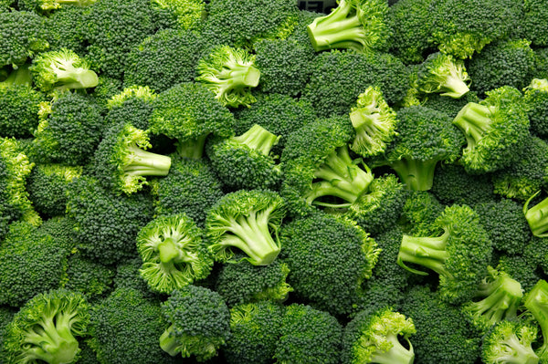 the compound sulforaphane, found in broccoli, exhibits antioxidant and anti-aging properties