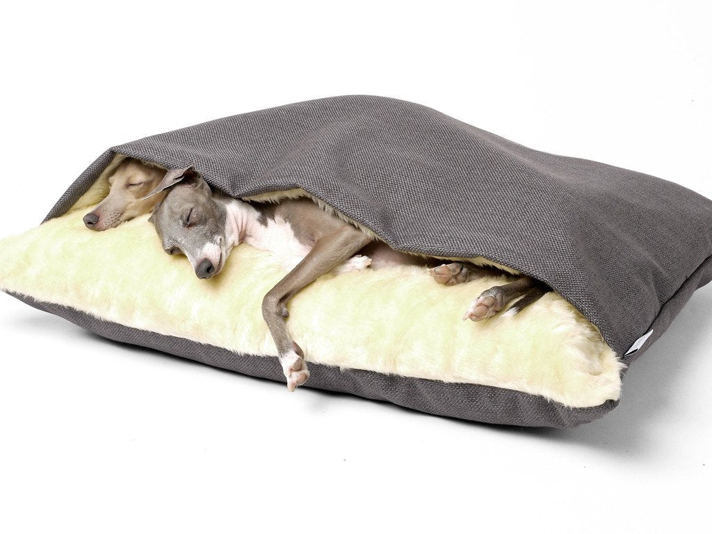Charley Chau Snuggle Bed in Weave