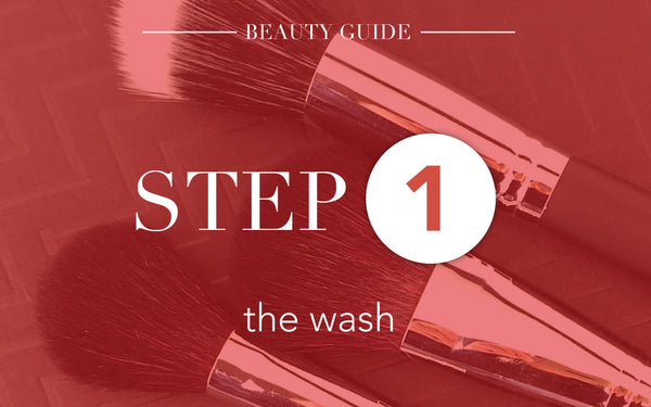 5 Steps To Clean Make Up Brushes-Step 1:The Wash