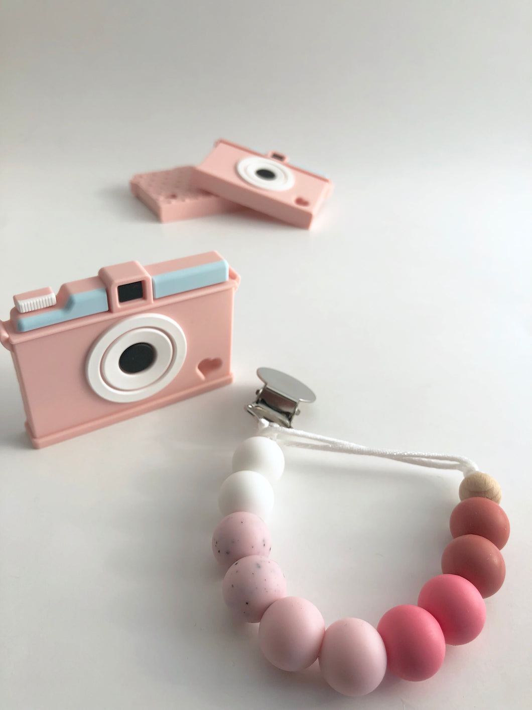 Camera Teether with clip