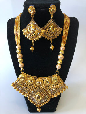 Indian Traditional Style Gold Polished Necklace Set