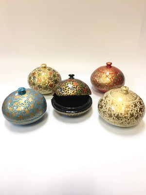 ROUND PAPER MACHE BOX WITH HANDLED LID