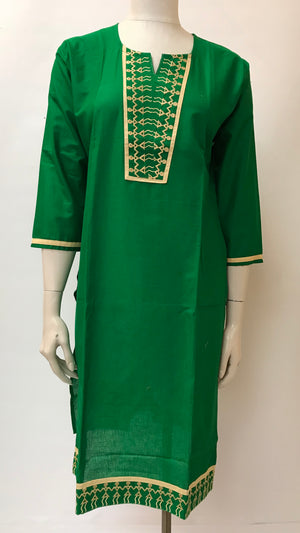 Long embroidered kurta