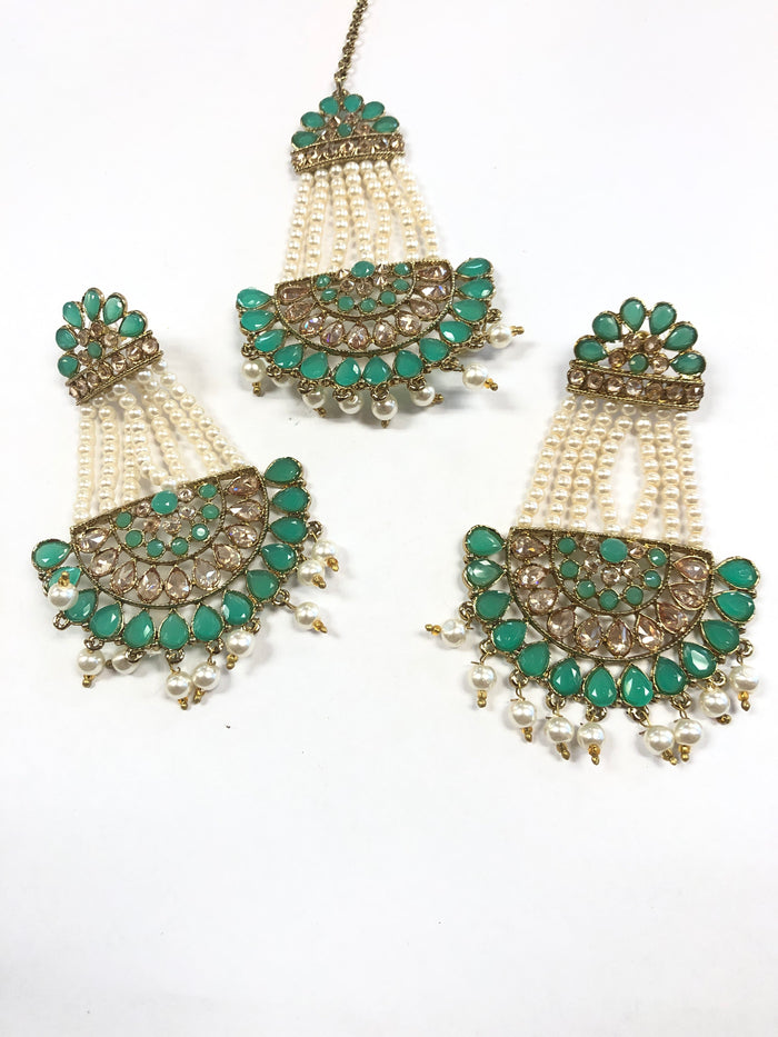 Maughal style Earring and Passa Set