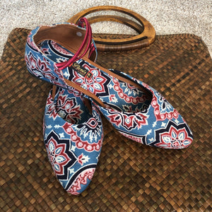 HANDCRAFTED COTTON Shoes