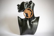 Load image into Gallery viewer, Article Wear Large Wooden Africa Circle Earrings