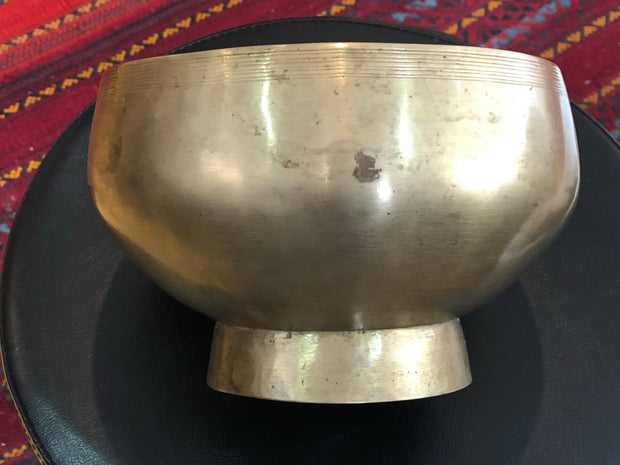 TIBETAN SINGING BOWL - high quality older bowls - 'Naga' style