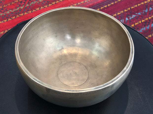 TIBETAN SINGING BOWL - high quality older bowls - 6.5""