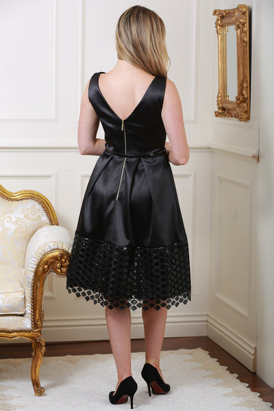 Natalie Black Belted V-Back Pleated Contrast Lace Hem Dress - LadyVB   s.r.o - 6