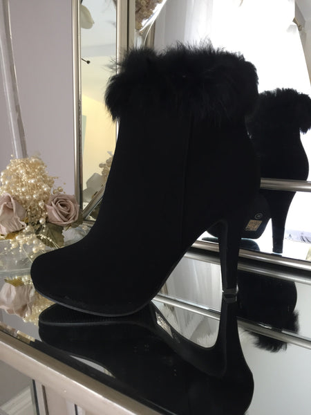 Black Ankle Boot Heel with Fur Trim - LadyVB   s.r.o