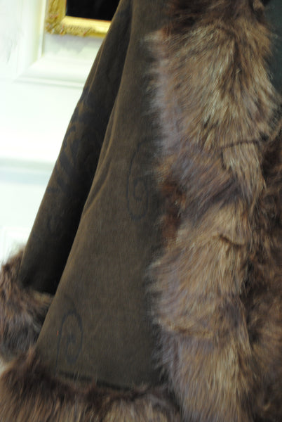 Brown Knit Cape with Fur Stole Trim - LadyVB   s.r.o - 2