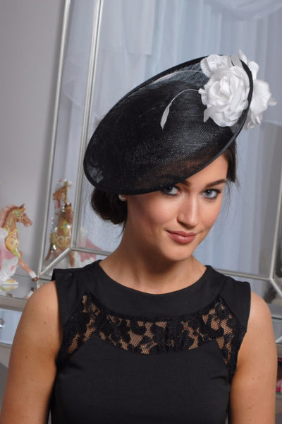 HEIDI  BLACK AND WHITE FASCINATOR - LadyVB   s.r.o - 2