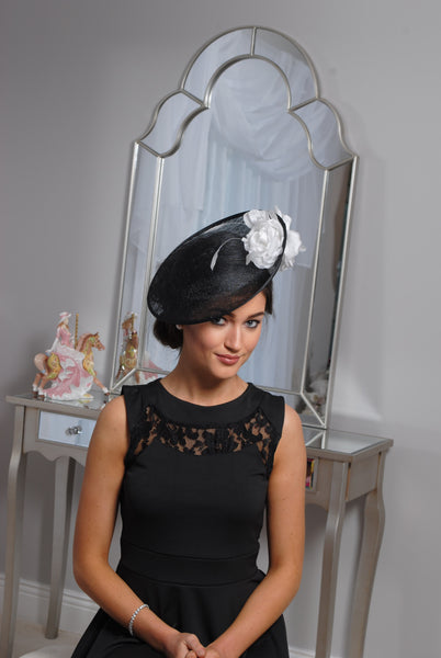 HEIDI  BLACK AND WHITE FASCINATOR - LadyVB   s.r.o - 4